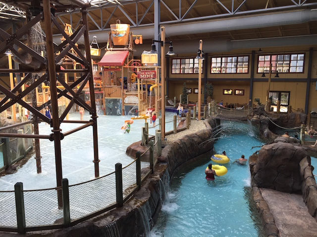 Silver Mountain Water Park >> Silver Mountain Resort And Morning Star Lodge Pitstops For Kids